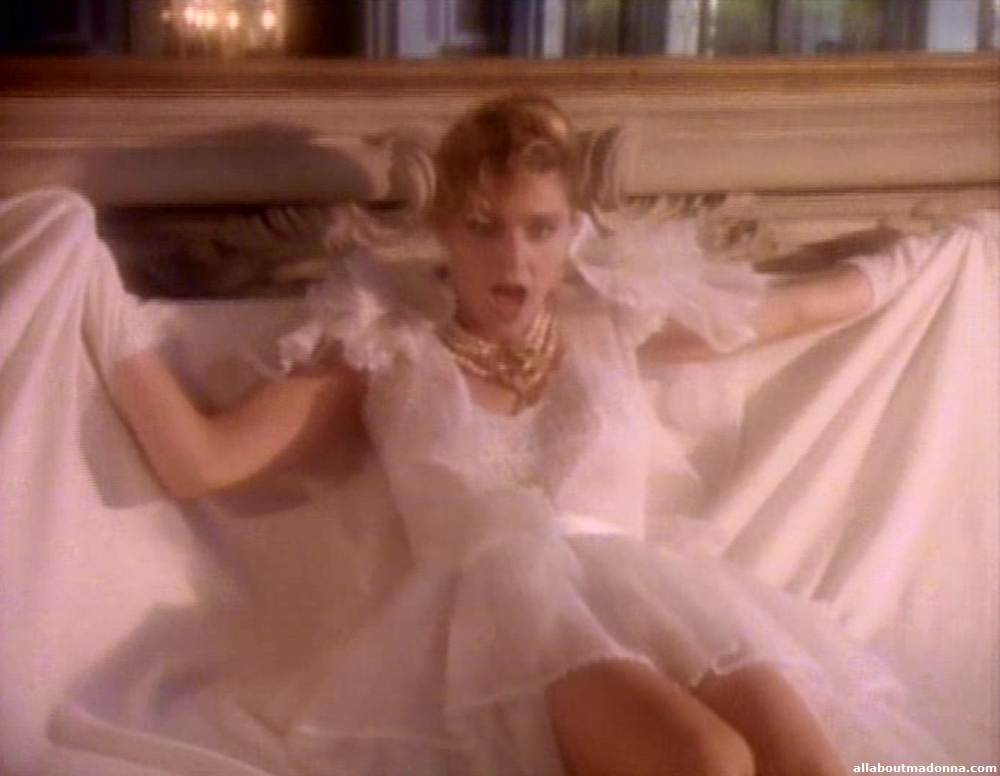 madonna-like-a-virgin-video-cap-0018