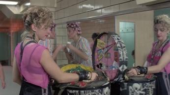 Susan en el baño de la estación