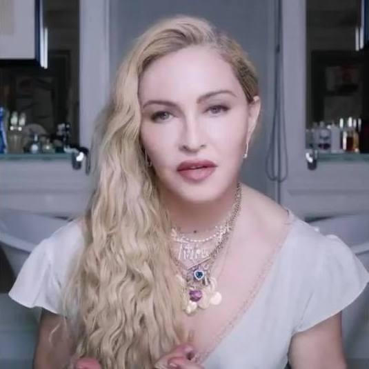2018 - MDNA Skin Roller Infomercial (14)